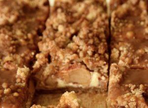 Salted Caramel Apple Crumble Cheesecake Bars