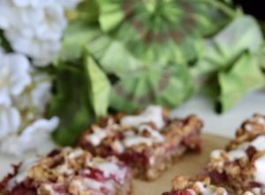 Strawberry Oatmeal Bar
