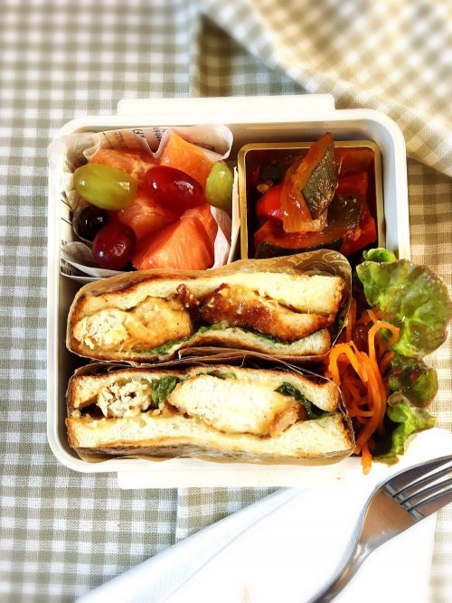 Lemon chicken sandwich bento