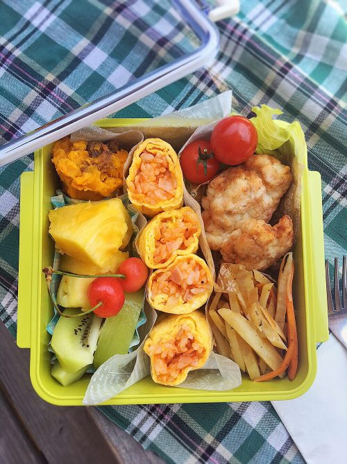 Omelet rice roll bento