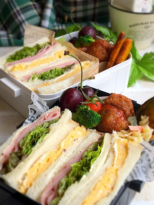 Egg and ham sandwich obento